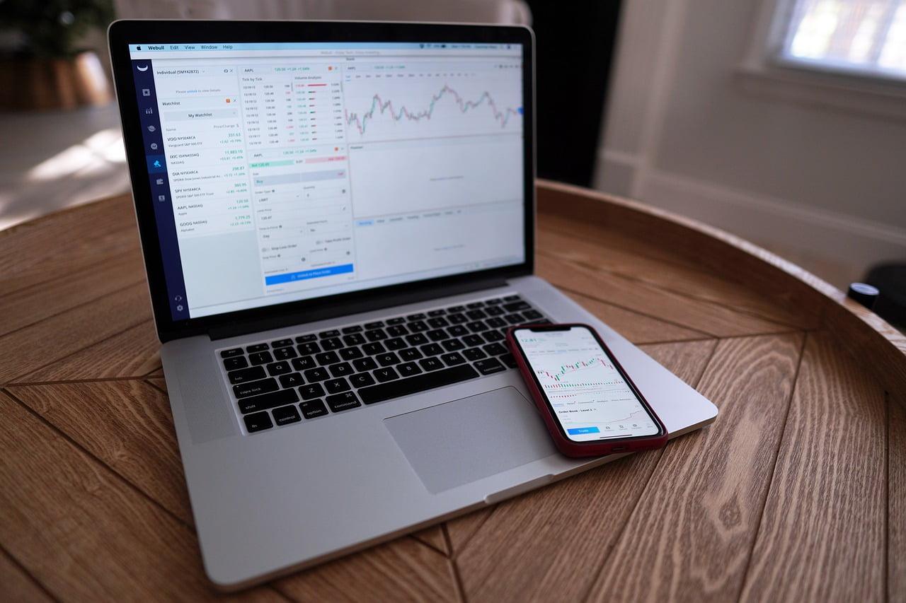 4 legitima sätt att tjäna pengar online